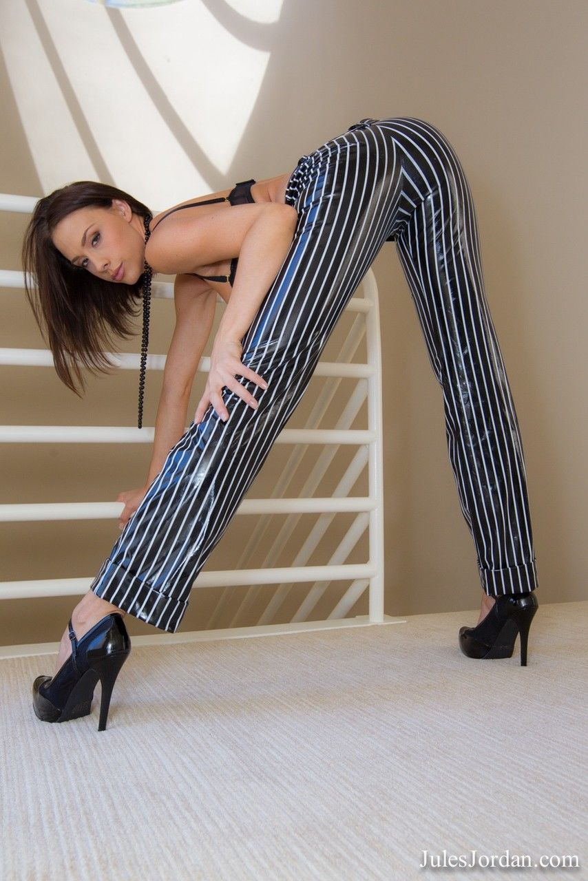 Hot apple bottoms Chanel Preston eschews the business suit in favor of the birthday suit