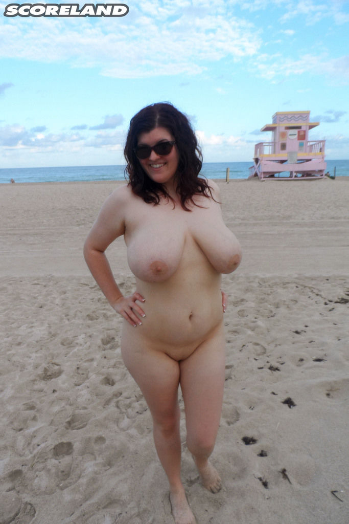 Chubby solo girl Dulcinea romps along a as mother gave birth beach in her birthday suit