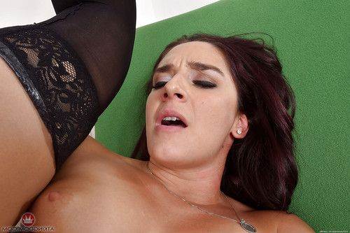 Brunette solo gal Sheena Ryder removes police uniform to spread hairy twat