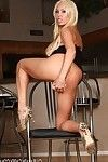 Mary Carey gets naked and naughty!