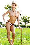 Pretty babe Audrey Aleen Allen demonstrating her flawless distorts outdoor