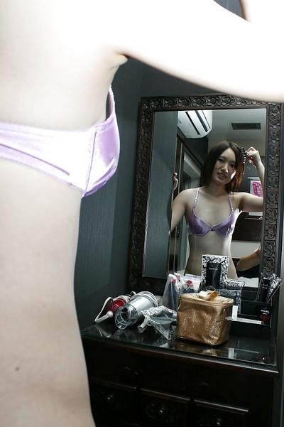 Shy Japanese angel Mina Takasaki sluggishly uncovering her slipy bends