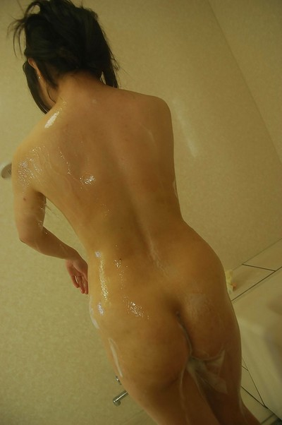 Seductive eastern MILF Nagisa Takatsu has some joy glorious shower