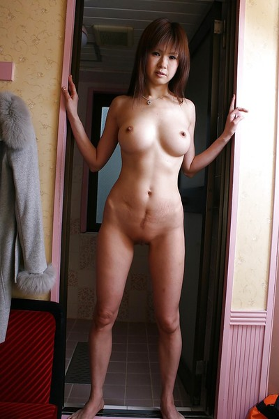 Oriental MILF Yukie Toyoda slothfully uncovering her graceful stoops
