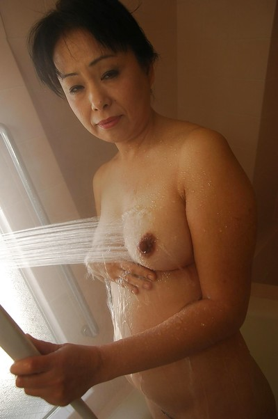 Sassy grown Japanese lady Sachiko Matsushita captivating bathroom