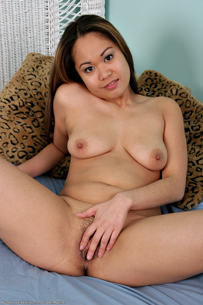 Young Eastern solo queen in underware stripped off for masturbation of fur pie