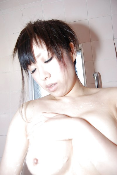 Enjoyable Chinese amateur pleasing bath and showing off her goods
