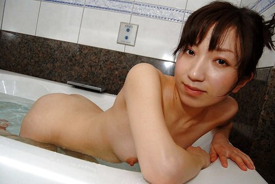 Slippy eastern young with trimmed cooter Aki Ootsuka captivating bath