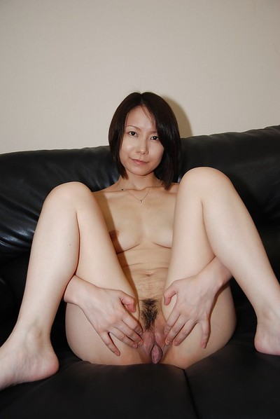 Lusty Chinese MILF undresses down and has some cage of love vibing pleasure