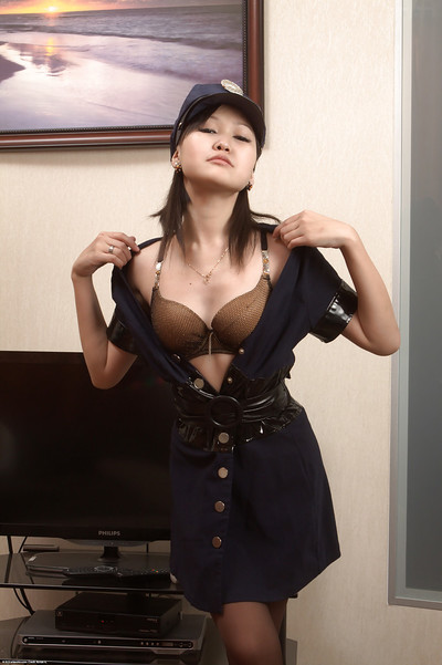 Oriental cuttie Alexa does raunchy dancing and seductive foreplay