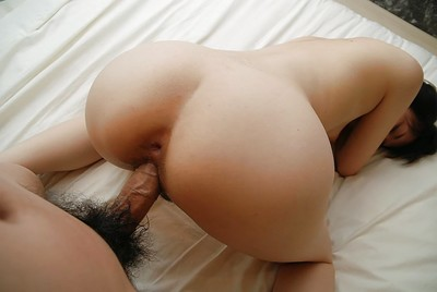 Chinese MILF gives a corporeal oral play and enjoys vehement twatting
