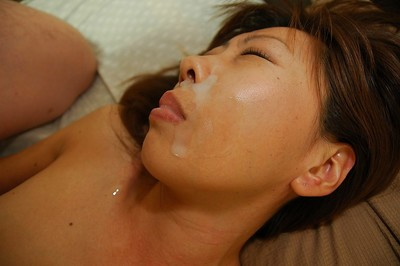 Chinese MILF with wavy uterus Aki Iwashita acquires owned and facialized