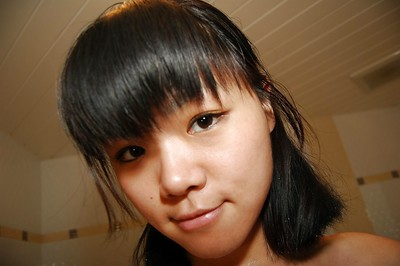 Shy Chinese lollipop enchanting shower-room and teasing her hirsute princess pot