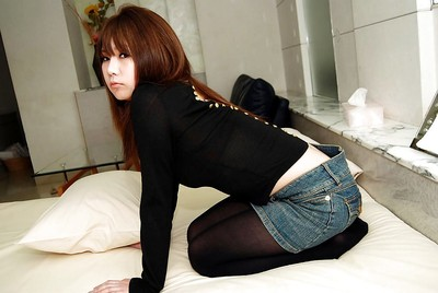Shy fresh eastern doll Mutsumi Kashiwagi uncovering her seductive bends