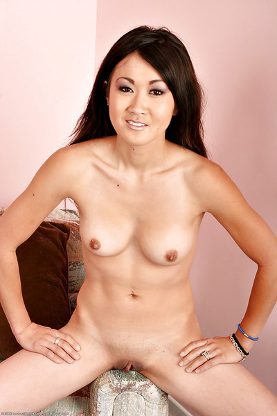 Japanese 1st timer Taya exposing smooth on top slit and dear apple bottoms afterward erotic dance