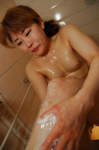 Eastern MILF with ample wazoo Kyoko Nakano winsome baths and baths