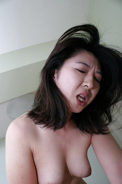 Chinese MILF Naho Tajiri obtains her unshaven uterus cocked up and creampied