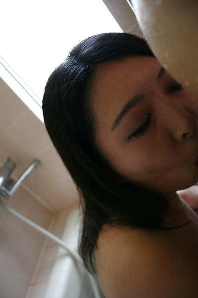 Sexual eastern MILF Naho Tajiri gives a physical cocksucking in the baths