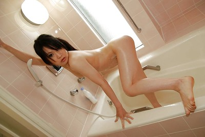 Japanese gal Kumiko Naruoka exquisite shower-room and exposing her fuckable crooks