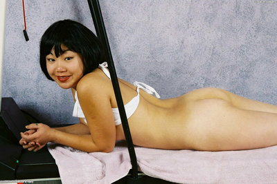 Nice-looking Japanese youthful Junko flashing good hotty class titties and tit pointers