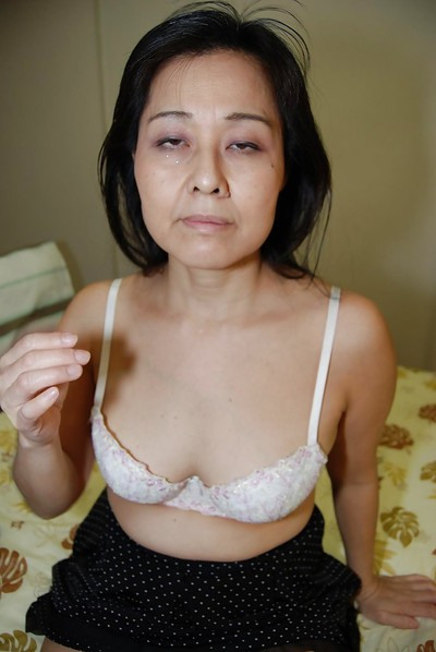 Close up stroking scene features fatty Oriental milf Mako Anzai