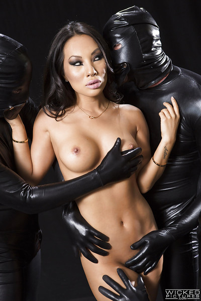 Oriental MILF pornstar Asa Akira ravishing facial cumshots in fuckfest