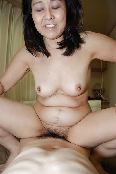 Fatty Eastern milf Mako Anzai has her hirsute vagina screwed severe