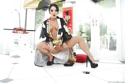 Remarkable eastern MILF on high heels uncovering her elegant distorts