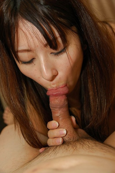 Weenie sexually intrigued Japanese MILF Risa Yamane has some wet crack vibing and plugging satisfaction