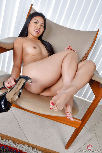 Brunette hair solo angel Cindy Starfall flashing neat Japanese wazoo and smooth head snatch