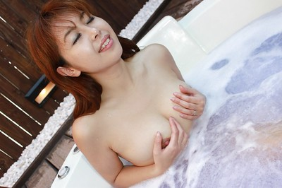 Redhead eastern model Yuriko Hiratsuka killing shower-room and playing with she