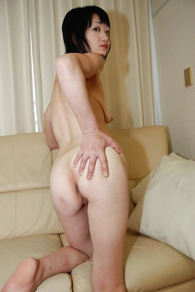 Slippy oriental MILF has some fur pie fingering and vibing liking with a appealing chap