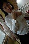 Overweight Chinese MILF Haruka Fukuda undressing and widening her under lips