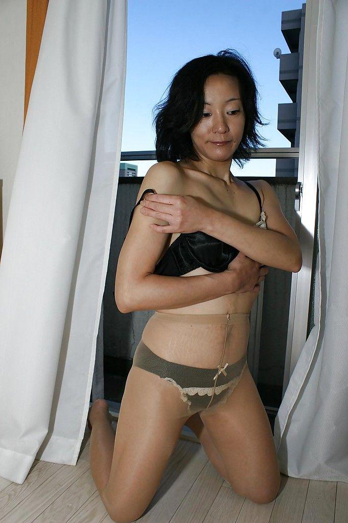 MILF Aya