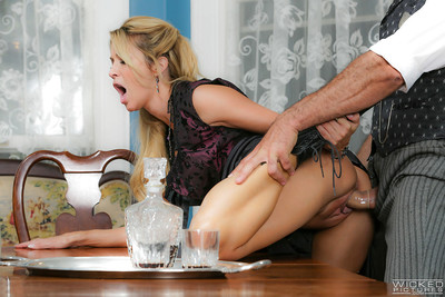 MILF pornstar Jessica Drake telling close to the addition of receiving voiced making love close to doyen alms-man