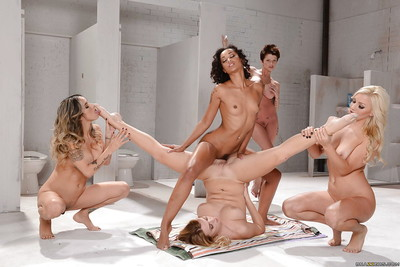 Hot lesbians Nadia Styles, Natalia Starr together with Extrinsic Diamond toying mortal physically