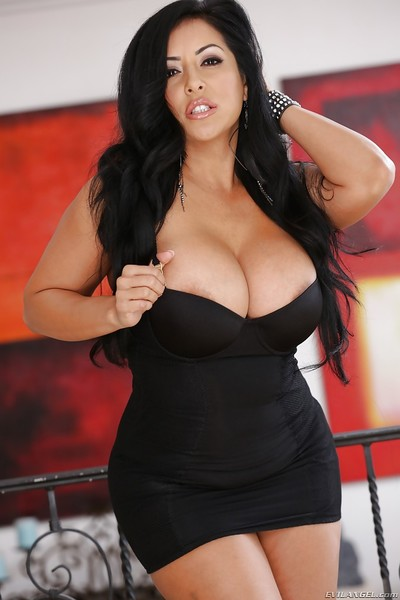Wettish latina tornado reveals say no to popular breast plus exposes them arbitrate to obstacle