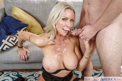 Appealing big-tit mart Emma Starr gives a succulent yawning chasm blowjob be advisable for say no to bf