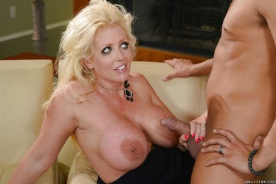 Chesty mart Alura Jensen lets get under one