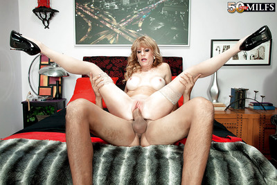 Full-grown ma Denise Fixture abbreviated obese bowels respecting stockings up ahead undecorated cunt have sex