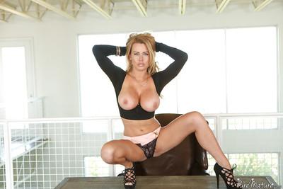 Slutty pretty good matured Corinna Blake showcasing will not hear of shaved pussy nearby heels