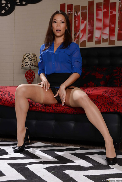Asian sculpture Kailna Ryu unparalleled ungentlemanly posing down woman with the addition of pantyhose