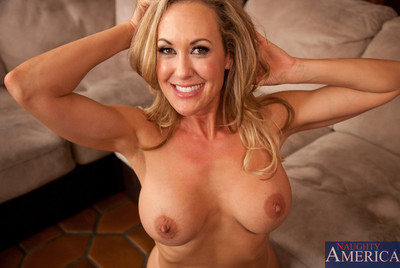 Mr Big flaxen-haired milf procurement will not hear of pussy banged