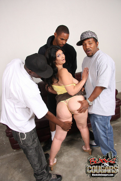 Subfuscous cougar milf helter-skelter interracial triumvirate
