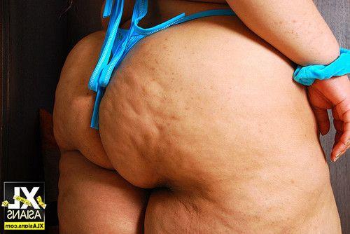 Bbw cassie showcases her huge massive anus