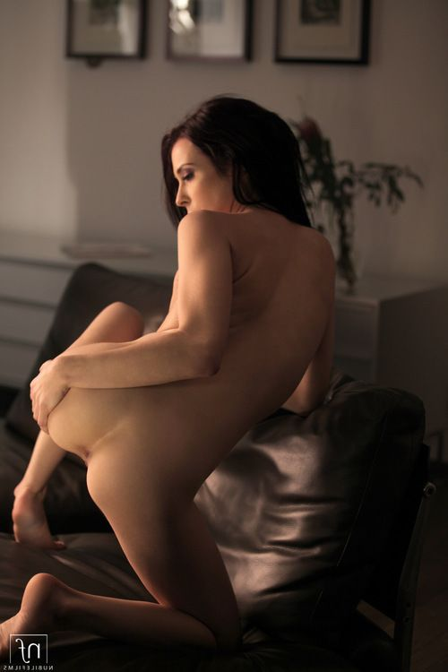 Distinguish in duration an easy to obtain window as brown hair doll Aiden Ashley squeezes her billibongs and finger copulates her smooth on top tacky fur pie