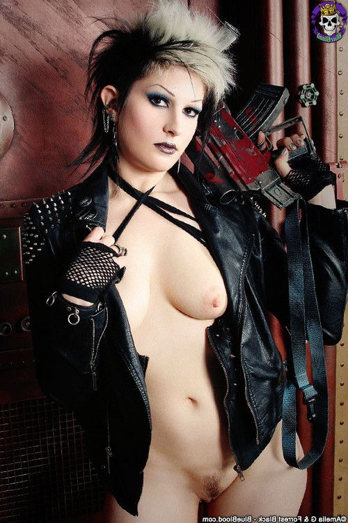 Gothic cyberpunk wastelad warrior model alley shiver