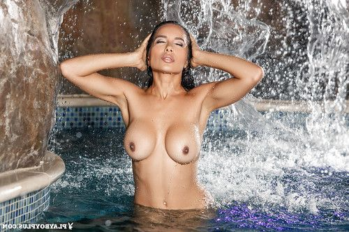 Nasia Jansen demonstrated her breathtaking usual boobies and immense waste