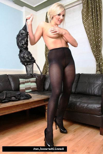 Dannii Harwood fond of to obtain her kit off and todays is no exception! Barely witness Dannii obtain exclusive of some fucking hot ebony lingerie, and leave on only a duo of fucking fixed nylon pantyhose!