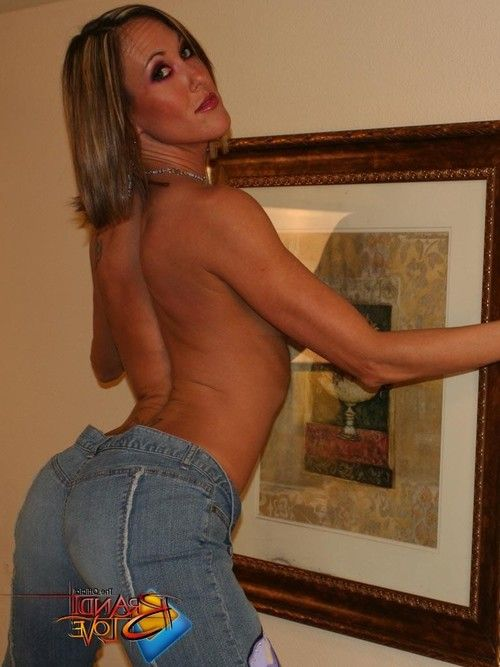 Brandi love in rigid blue jeans